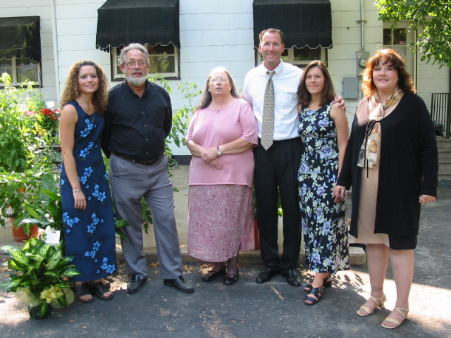 8-23-03lunchatlaurashouse016.jpg